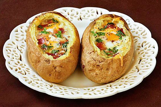 Baked Eggs And Bacon In Potato Bowls
