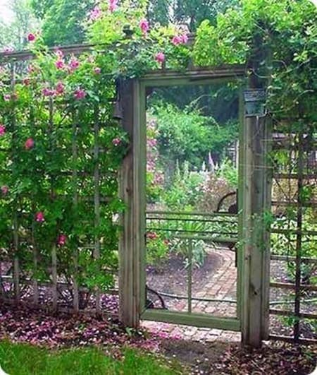 Easy Landscaping Ideas You Can Try: 15 Super Easy DIY Garden Fence Ideas You Need To Try