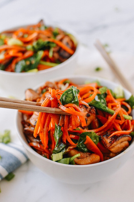 stir fried carrot noodles chicken