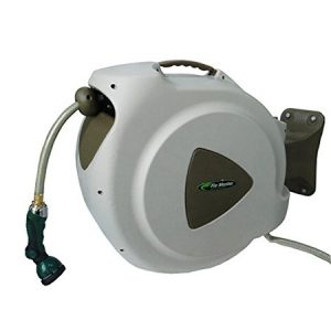retractable-garden-hose-reels