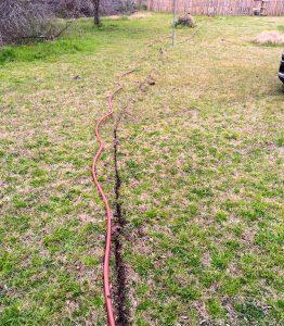 burying a irrigation hose