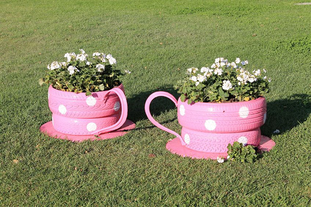 Heres A Super Fun Idea That Will Have Neighbors Dropping By Just To See How You Did It Turn Old Tires Into Cute Teacup Planters
