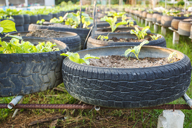31 of the best tire planter ideas for How to use old tires in a garden
