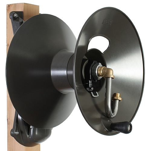 Wood Post Mount Garden Hose Reel