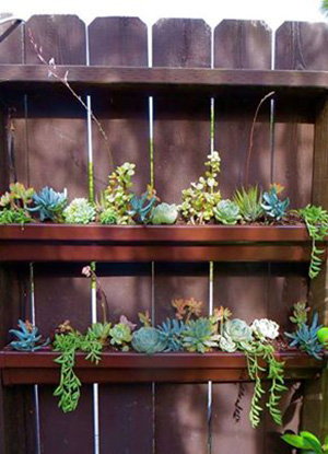28 super unique and easy to make fence planters for Rain gutter planter box