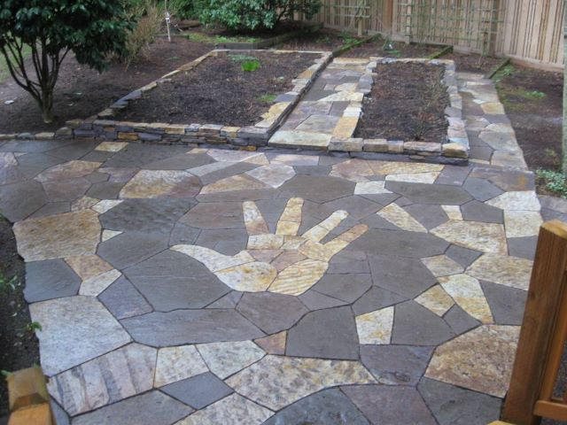 14. Creative Concepts - 21 Eye-Catching Flagstone Patio Design Ideas