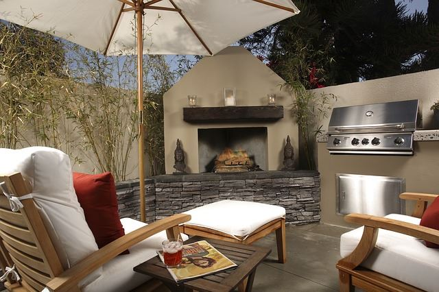 The Perfect Summer Backyard Setup Is Obvious In This Picture. You Have Your  Glorious Fireplace And A Matching Barbecue For Added Enjoyment.