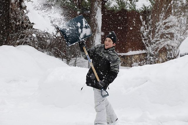 snow-2223187_640
