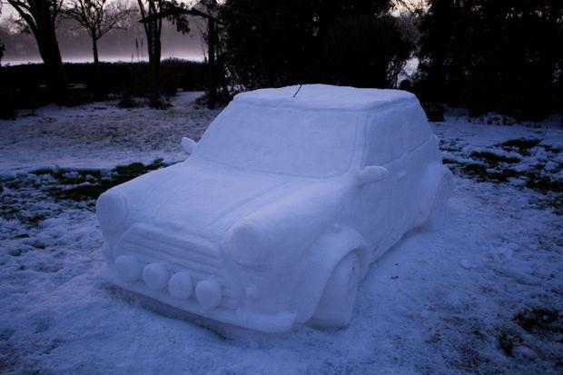 Classic Snow Car