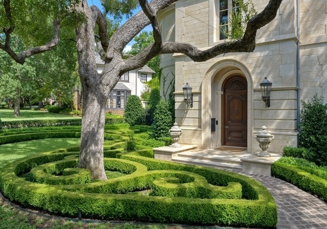 Labyrinth Hedges