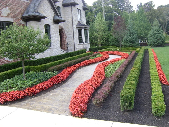 Long Rows of Hedges