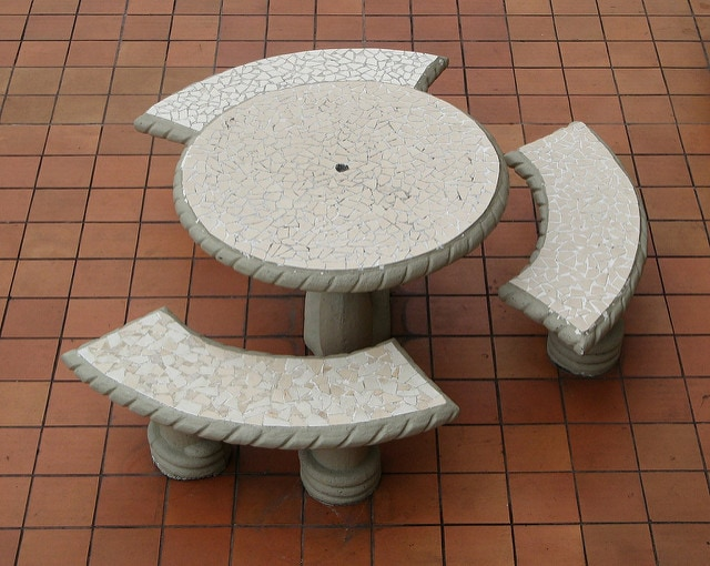 17. Basic Garden Table
