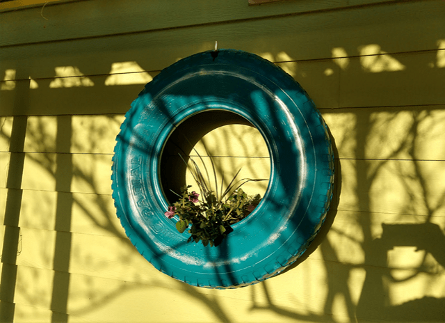 How to Make a Hanging Tire Planter
