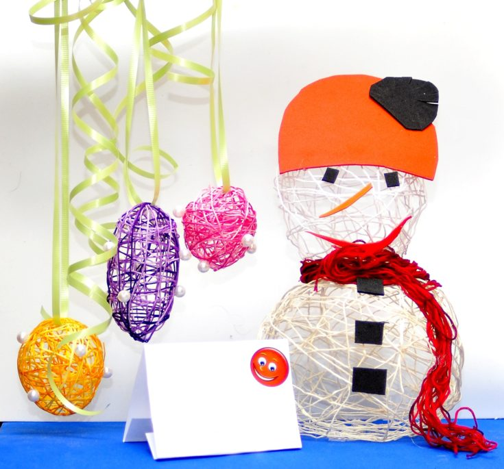 Snowman made ​​with your own hands with household items