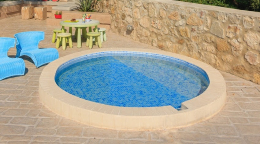 Feature Image - 30 of the Best Backyard Small Pool Ideas