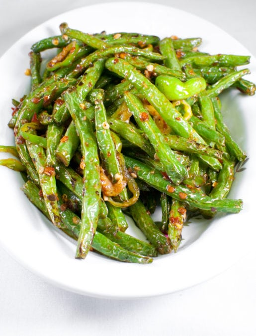 Green string beans with garlic and spices