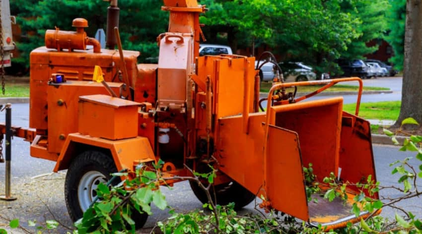 Featured Image - Types of Wood Chippers: Making Yard Cleanup Easy
