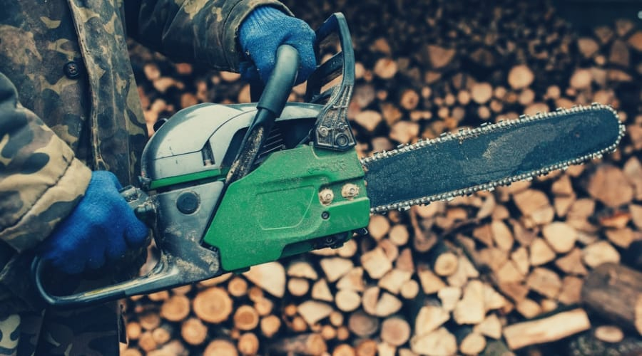 "The Best 18"" Chainsaws for Your Home and Business"