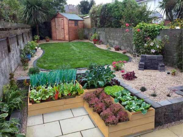 Building a Beautiful Square Foot Garden