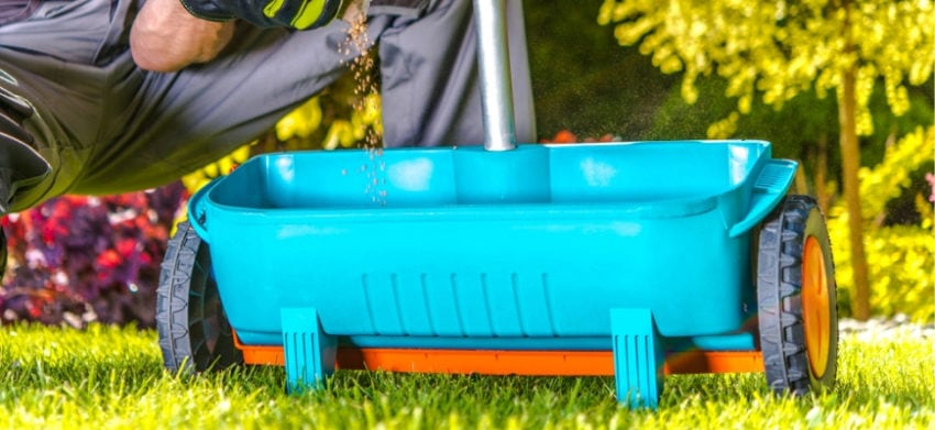 Featured Image- Best Fertilizer Spreaders for a Greener Lawn
