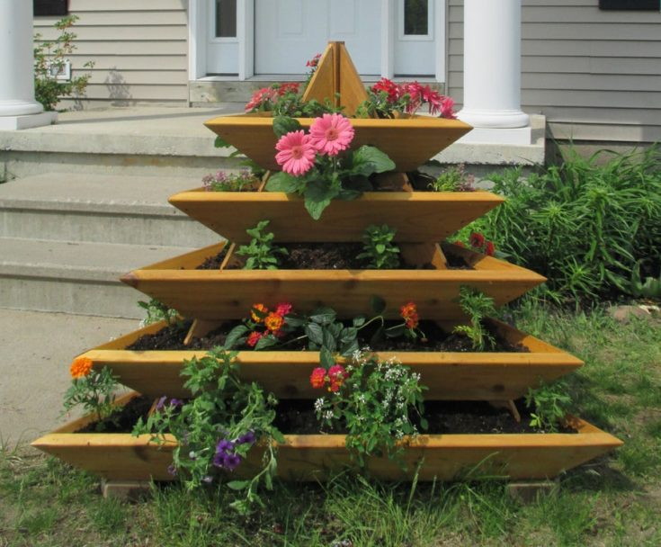 Raised Bed Cedar Planter 5-Level Triolife Plant Pyramid