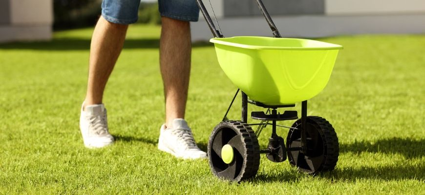 The Best Broadcast Spreader for Fertilizer