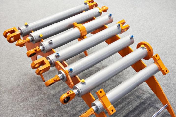 Hydraulic cylinder on a stand