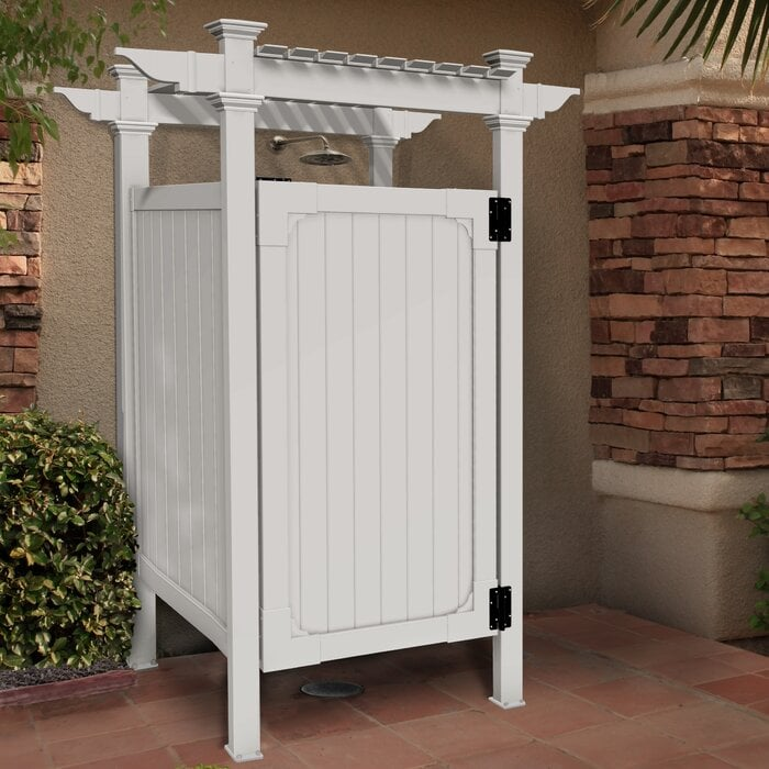 Hampton Outdoor Shower Kit white color