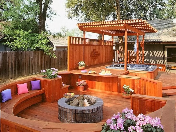 Hot Tub Pergola Decks at the backyard