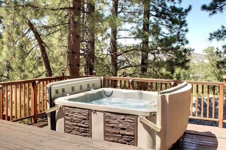 Hot Tub in the Middle of Nature in a sunny day