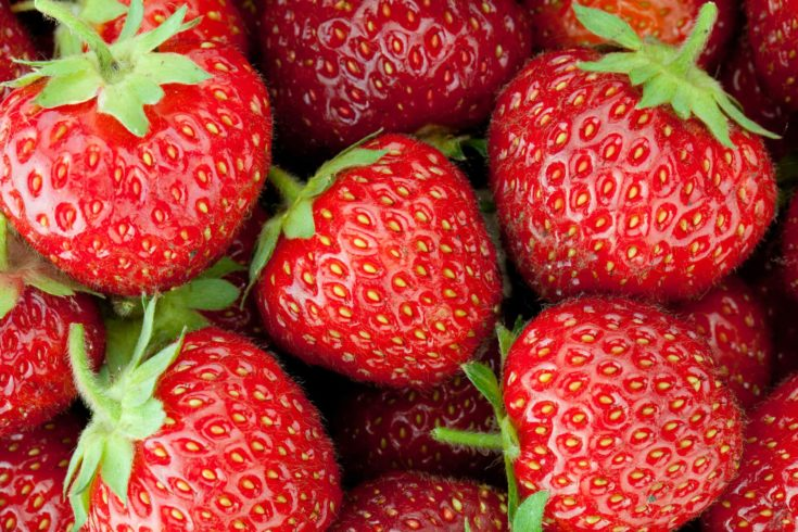 Fresh ripe strawberry closeup wallpaper