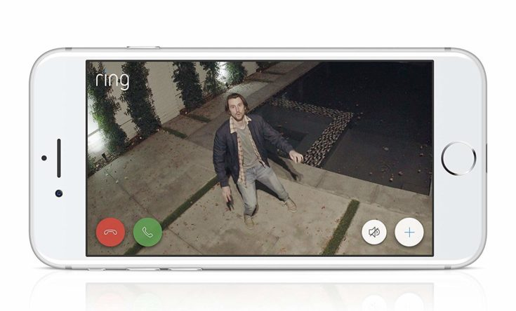 Ring Floodlight Camera video shown to smartphone.