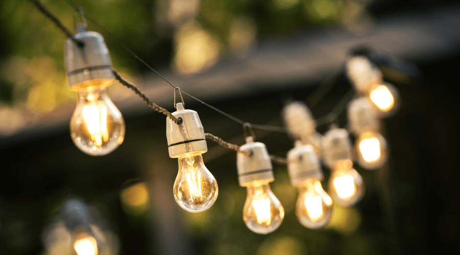 Featured Image - ADD BEAUTIFUL LIGHT TO YOUR BACKYARD IN 21 DIFFERENT WAYS