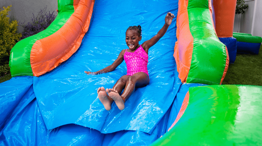 Featured Image - AWESOME WATER GAMES FOR FAMILIES (1)
