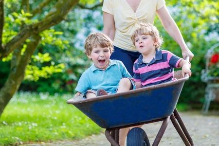 wheelbarrow ride with kids