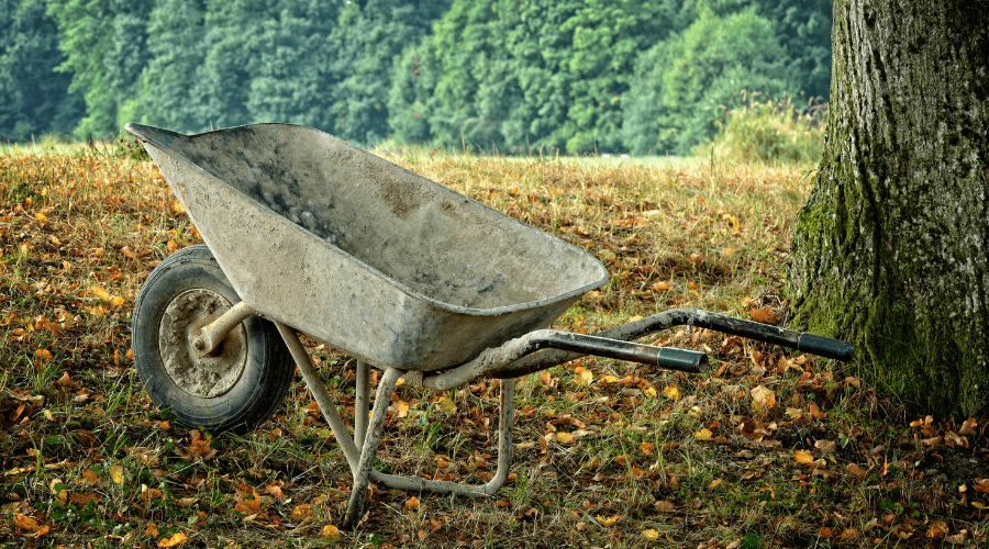 Featured Image - PLASTIC VS STEEL WHEELBARROWS