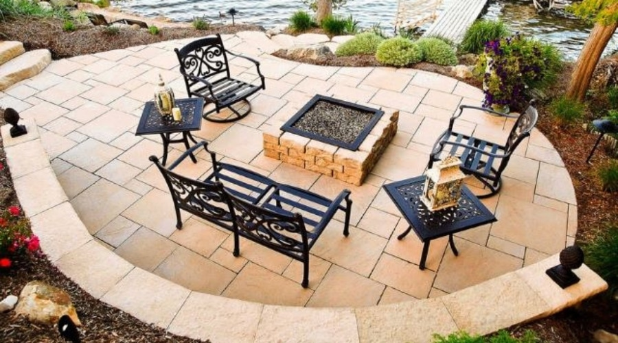 Featured Image EYE-CATCHING FLAGSTONE PATIO DESIGNS-