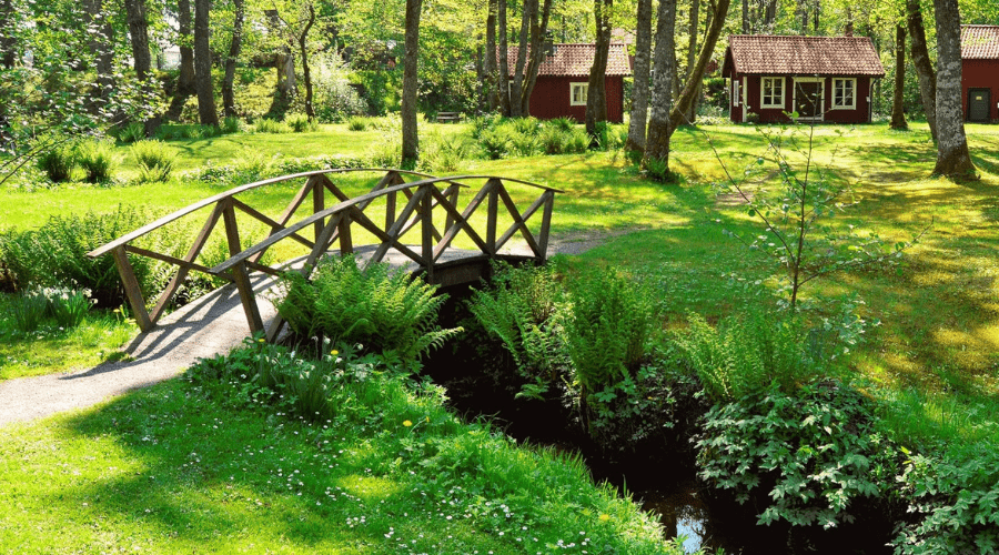 Featured Image - BACKYARD BRIDGE IDEAS_ TRANQUIL PERSPECTIVE FOR YOUR LANDSCAPE