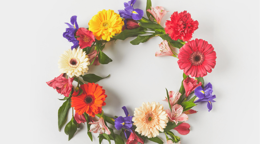 Featured Image - HOW TO MAKE A GORGEOUS SPRINGTIME WREATH WITH MONOGRAM