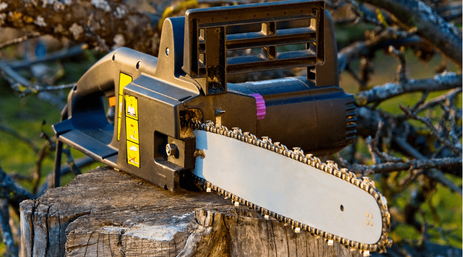 Featured Image - BEST CHAINSAW FOR MILLING LUMBER
