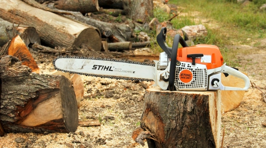 Featured Image - THE BEST STIHL CHAINSAW REVIEWS
