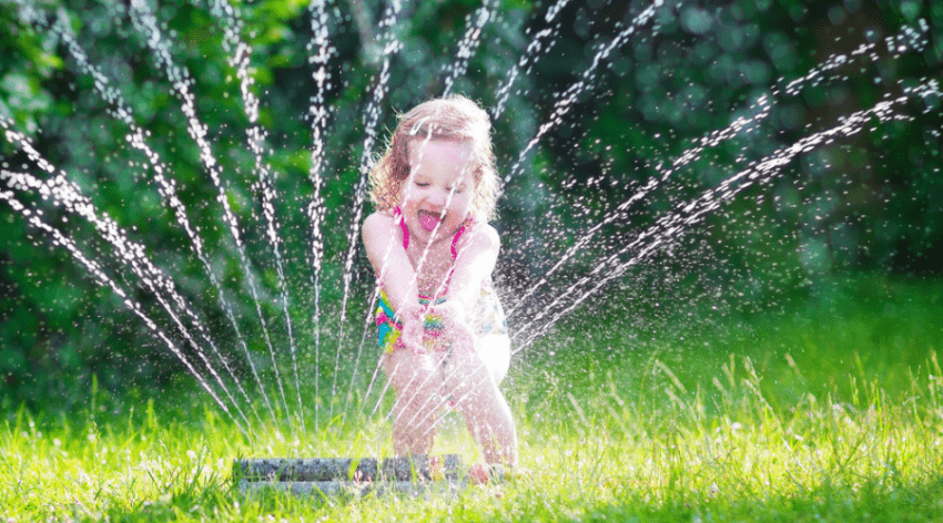 Featured Image - THE BEST SPRINKLER FOR KIDS