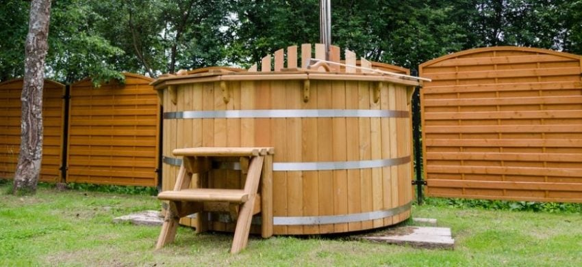 wooden hot tub at the backyard