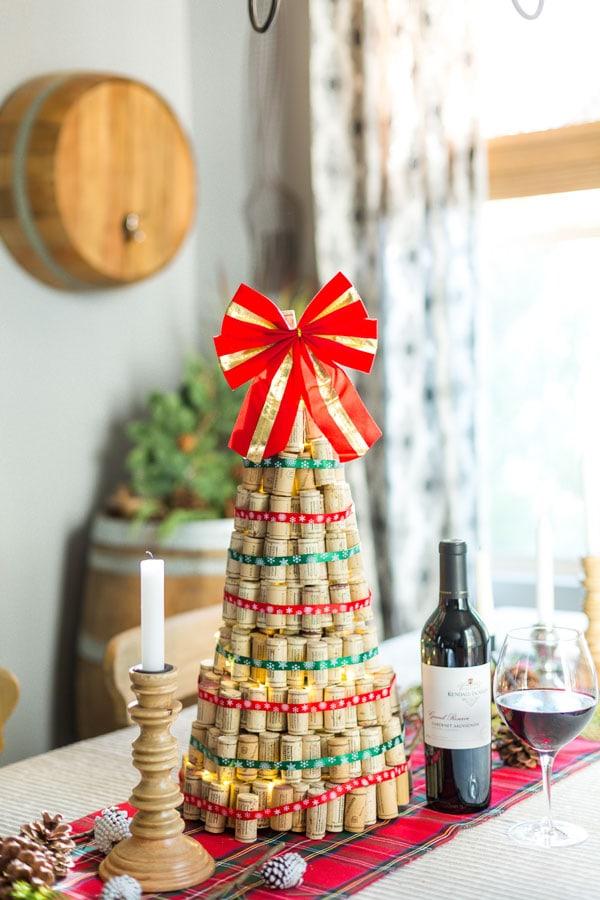 diy wine cork alternative christmas tree idea tutorial