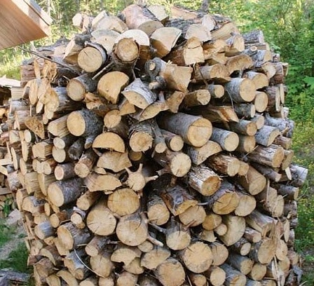 amish or shaker firewood stack
