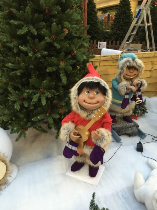 motorized characters christmas outdoor display