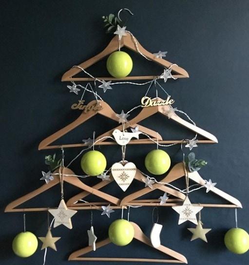 easy hanger christmas tree