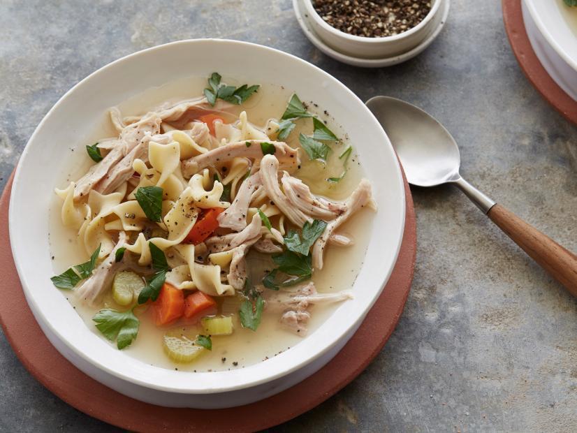 healthy crock pot slow cooker chicken noodle soup recipe