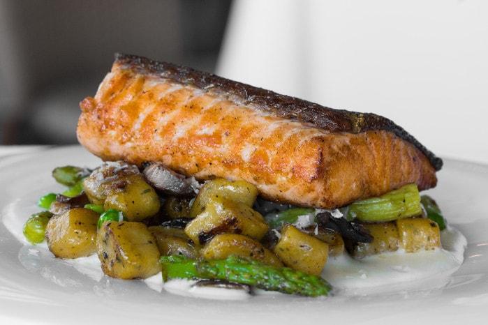 roasted salmon with veg