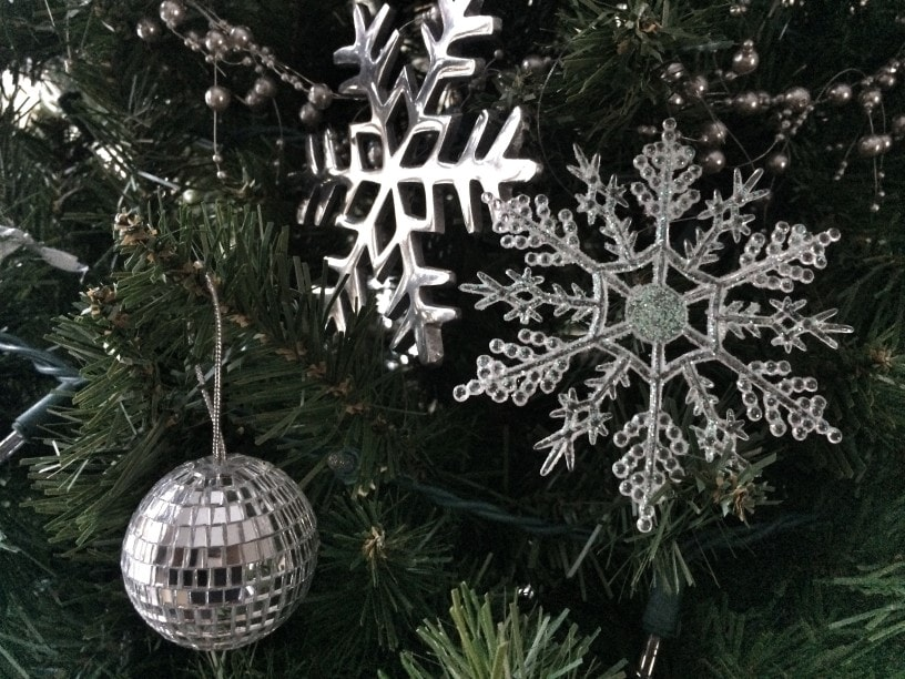 snow day tree with silver white snowflakes and mirrored ornaments
